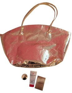 Elizabeth Arden Gift Set Gift Set Make Up Activation Cream Intense Moisture And Renewal Bronzing Powder Duo Bronze Beauty Eight 8 Tote in Gold