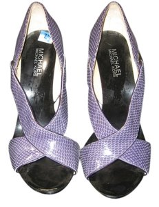 Michael Kors PURPLE/PLUM LEATHER HEELS Sandals