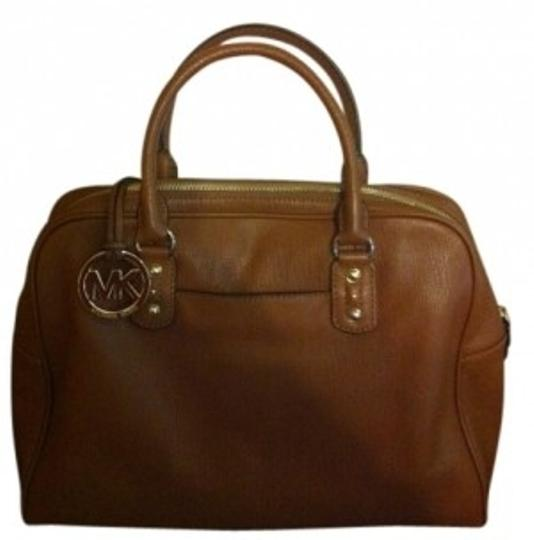 Preload https://img-static.tradesy.com/item/31973/michael-kors-tan-leather-satchel-0-0-540-540.jpg