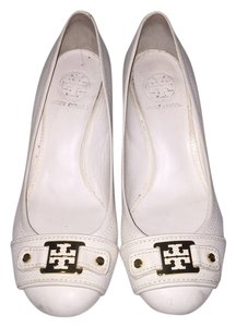 Tory Burch White/cream Wedges