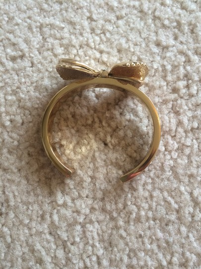 Lilly Pulitzer NWOT Lilly Pulitzer shell bow bangle
