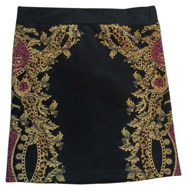 Preload https://item1.tradesy.com/images/h-and-m-skirt-3205720-0-0.jpg?width=400&height=650