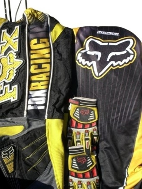 Preload https://item5.tradesy.com/images/fox-yellow-and-black-racing-inc-360-activewear-sportswear-size-8-m-29-30-32059-0-0.jpg?width=400&height=650