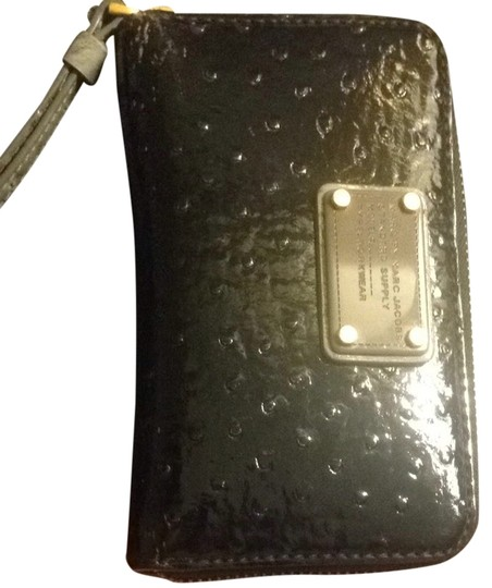 Marc by Marc Jacobs This Super Cute Black Marc By Marc Jacobs Wristlet