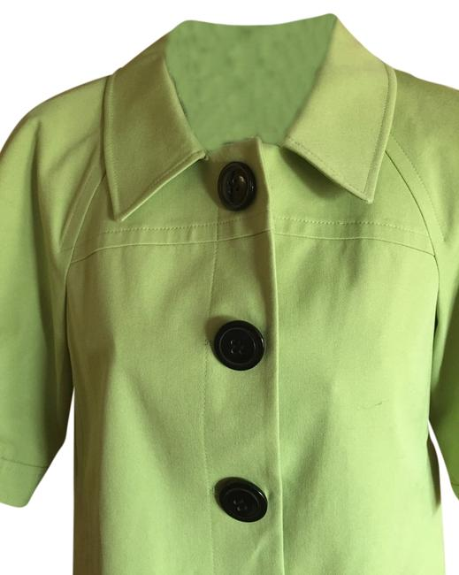 Preload https://item4.tradesy.com/images/tahari-lime-green-size-8-m-3206098-0-0.jpg?width=400&height=650