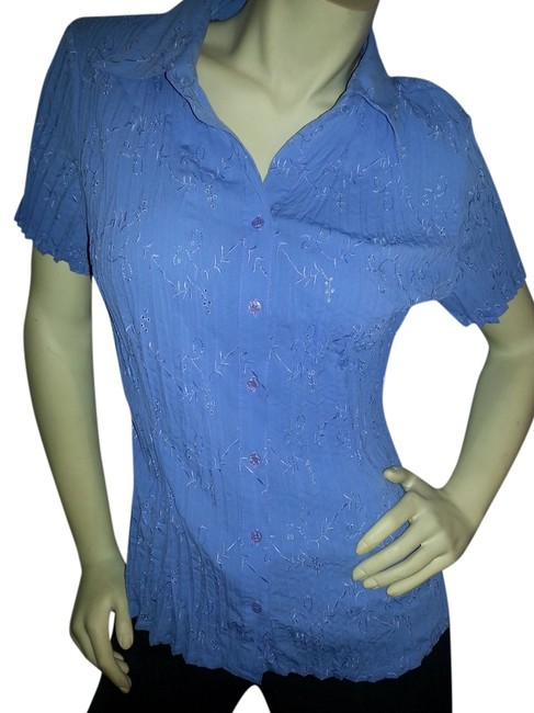 Preload https://item4.tradesy.com/images/fred-david-blue-short-sleeve-crinkle-no-iron-button-down-top-size-8-m-3208498-0-0.jpg?width=400&height=650