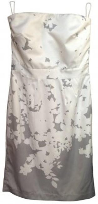 Preload https://img-static.tradesy.com/item/32093/banana-republic-white-and-gray-floral-short-casual-dress-size-4-s-0-0-650-650.jpg