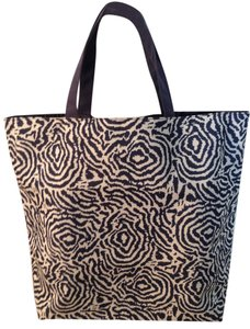 Other Tote in Navy and white