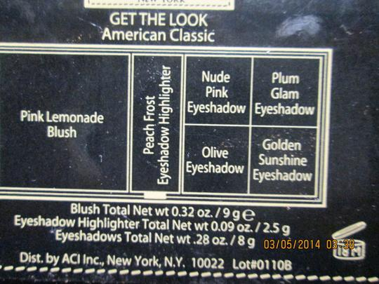 READY TO WEAR NEW YORK READY TO WEAR NEW YORK GET THE LOOK American Classic Blush and Eyeshadow Highlighter Makeup Kit