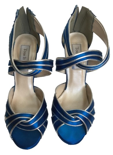 Preload https://item5.tradesy.com/images/touch-ups-blue-sandals-3209869-0-0.jpg?width=440&height=440