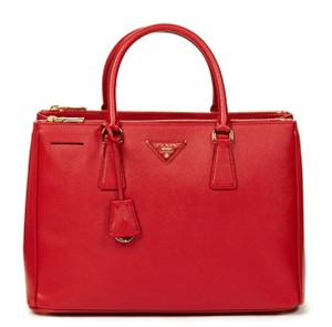 cdc21a158623 Prada Saffiano Leather Leather Leather Crossbody Tote in Red