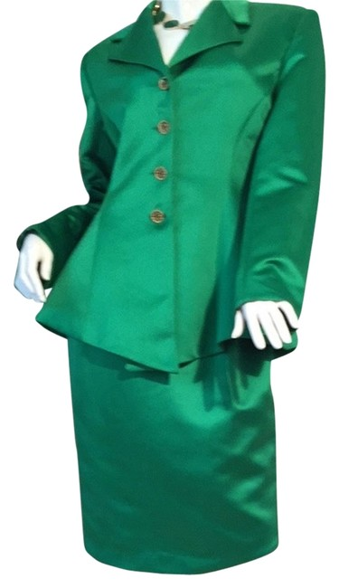 Preload https://item1.tradesy.com/images/green-s-sutton-new-and-ale-gantlet-skirt-suit-size-8-m-3212830-0-0.jpg?width=400&height=650