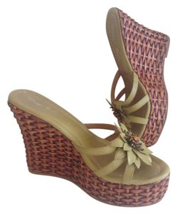 Diego di Lucca Green With Embellishment Wedges