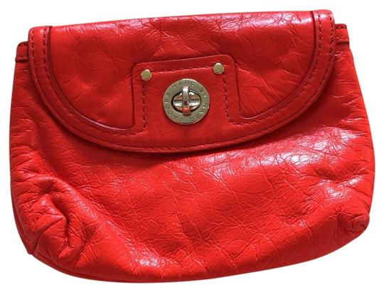 Preload https://item1.tradesy.com/images/marc-by-marc-jacobs-red-baguette-clutch-3215245-0-0.jpg?width=440&height=440