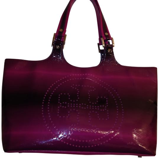 Preload https://img-static.tradesy.com/item/32157/tory-burch-degrade-with-logo-fuchsia-ombre-tote-0-0-540-540.jpg