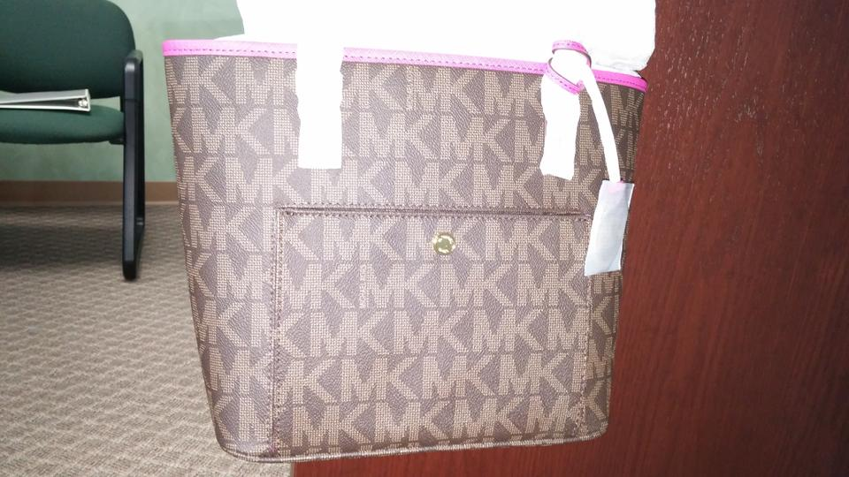 98e6900ba28e Michael Kors Medium Jet Set Pvc Signature Snap Pocket Tote in Brown Fuschia  Pink Image 7. 12345678