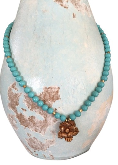 Preload https://item3.tradesy.com/images/express-turquoise-gold-necklace-3219127-0-0.jpg?width=440&height=440