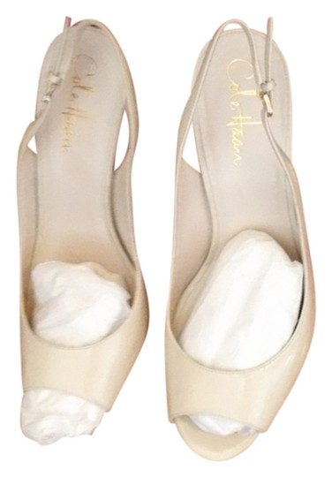 Cole Haan off white Pumps