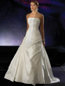 Demetrios Cr195 (mr-5) Wedding Dress