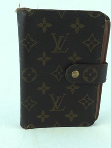 Louis Vuitton Louis Vuitton Monogram Snap Compact Zippy Wallet