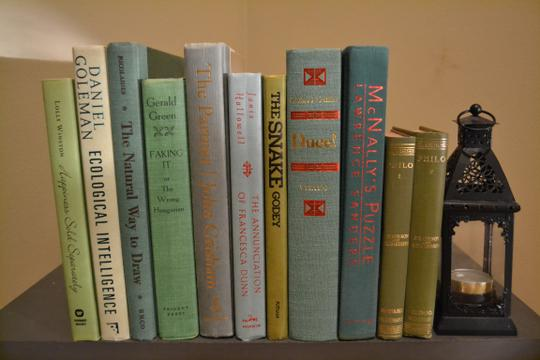 Green Vintage Style Books - 1220 - Set Of 10 Centerpiece