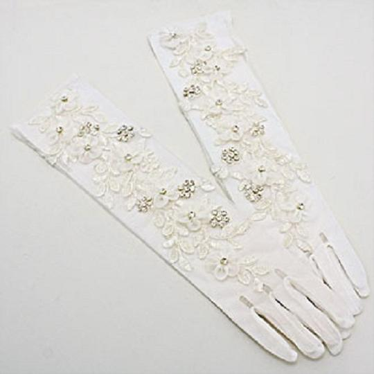Pair Of Vintage Inspired Embroidered Flower Crystal Accent Stretchable Bridal Wedding Formal Gloves
