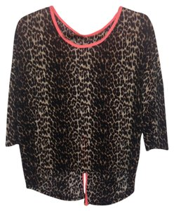 Rue 21 Top Cheetah