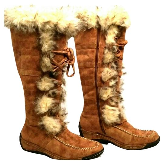 Twin Hearts Brown Boots