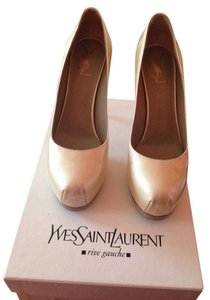Saint Laurent Pearl Pumps