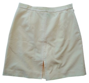 Izod Skort Light Yellow
