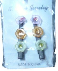 Multi colored floral 3 resin flowers on hair clip hair accessory multi-colored translucent floral clip