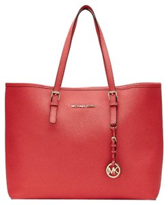 Michael Kors Tote in Coral