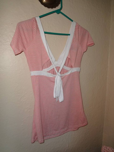 Wet Seal T Shirt coral and white