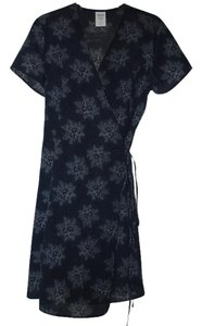 Old Navy short dress Navy Floral on Tradesy