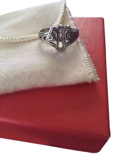 Preload https://item3.tradesy.com/images/james-avery-james-avery-angel-ring-3245752-0-0.jpg?width=440&height=440