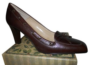 Anne Klein Leather brown Pumps