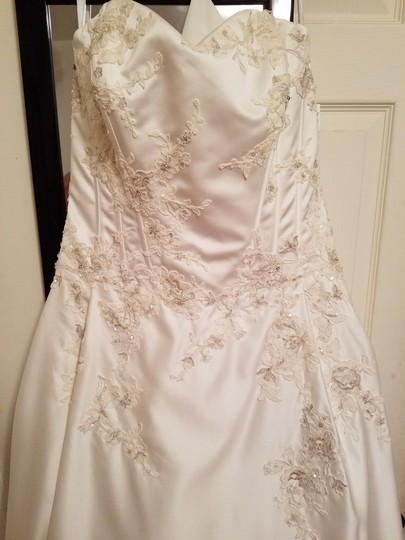 David's Bridal Ivory Polyester 10012316 Traditional Wedding Dress Size 14 (L)
