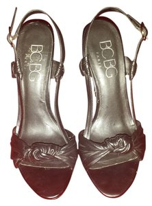 BCBG Paris Black Slingback Size 7b Preloved Sandals