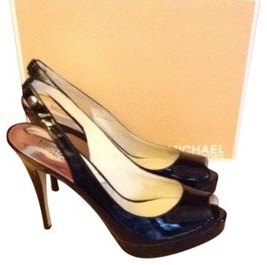 MICHAEL Michael Kors Patent Leather Black Pumps