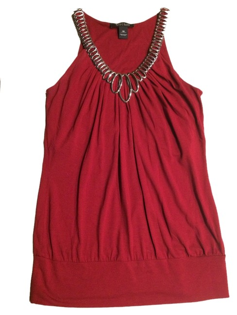White House | Black Market Top Red