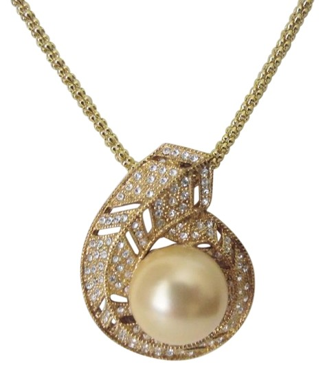 Preload https://item1.tradesy.com/images/pearlfection-goldtone-faux-golden-south-sea-pearl-pin-without-chain-necklace-3251575-0-3.jpg?width=440&height=440