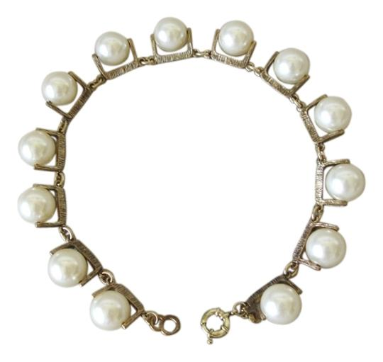 Preload https://item5.tradesy.com/images/jcrew-pearl-white-large-faux-necklace-3254659-0-2.jpg?width=440&height=440