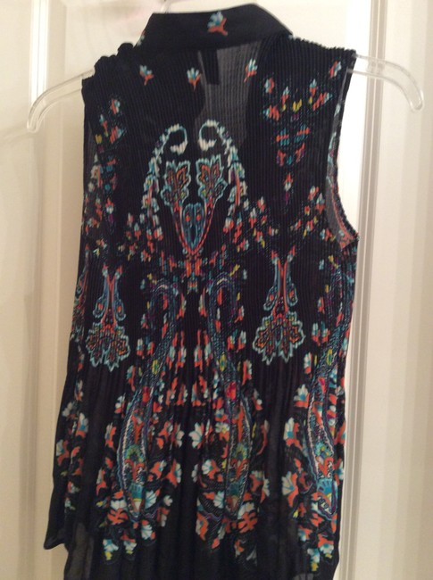 Serenade New York Sleeveless Blouse Sleeveless Blouse Light Weight Sleeveless Blouse Dress Blouse Sleeveless Dress Blouse Button Down Shirt Multi color over black