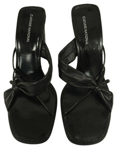 CoSTUME NATIONAL Black Mules