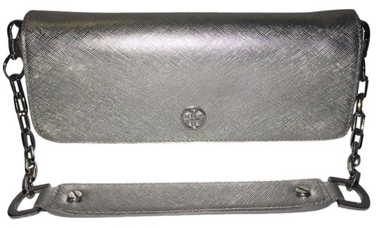 Preload https://item4.tradesy.com/images/tory-burch-silvermetallic-leather-clutch-3263233-0-0.jpg?width=440&height=440