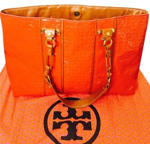 Tory Burch Tote in Coral