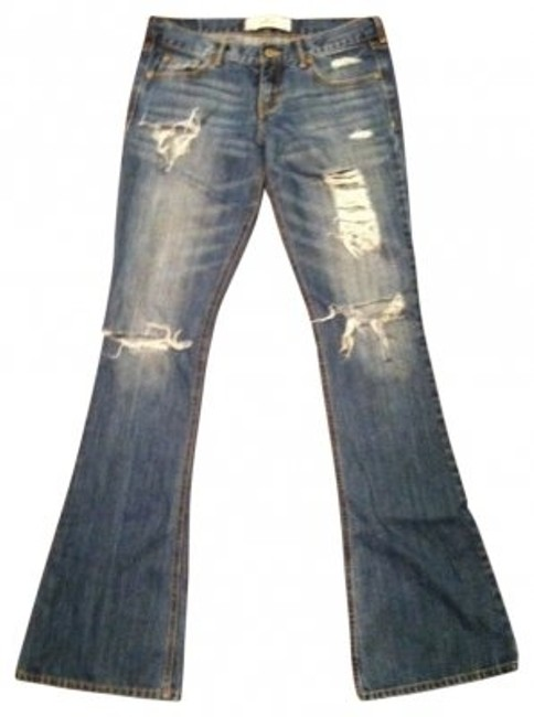 Preload https://img-static.tradesy.com/item/32666/hollister-light-wash-destroyed-flare-leg-jeans-size-27-4-s-0-0-650-650.jpg