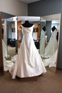 Romona Keveza 900 Wedding Dress