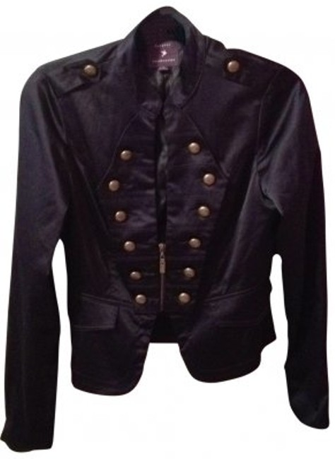 Preload https://img-static.tradesy.com/item/32738/forever-21-navy-blue-military-style-w-gold-buttons-blazer-size-12-l-0-0-650-650.jpg
