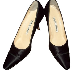 Manolo Blahnik Vintage Satin black Pumps